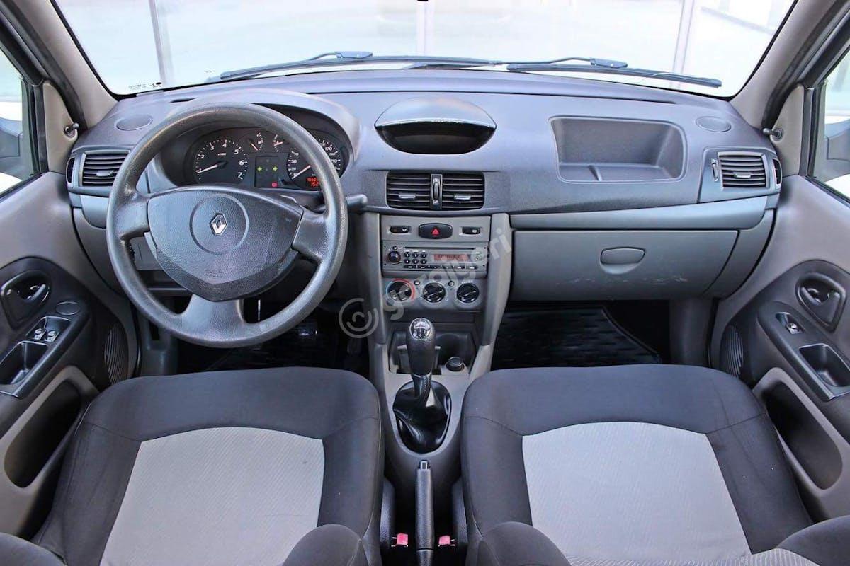 Renault Symbol Küçükçekmece Kiralık Araç 7. Fotoğraf