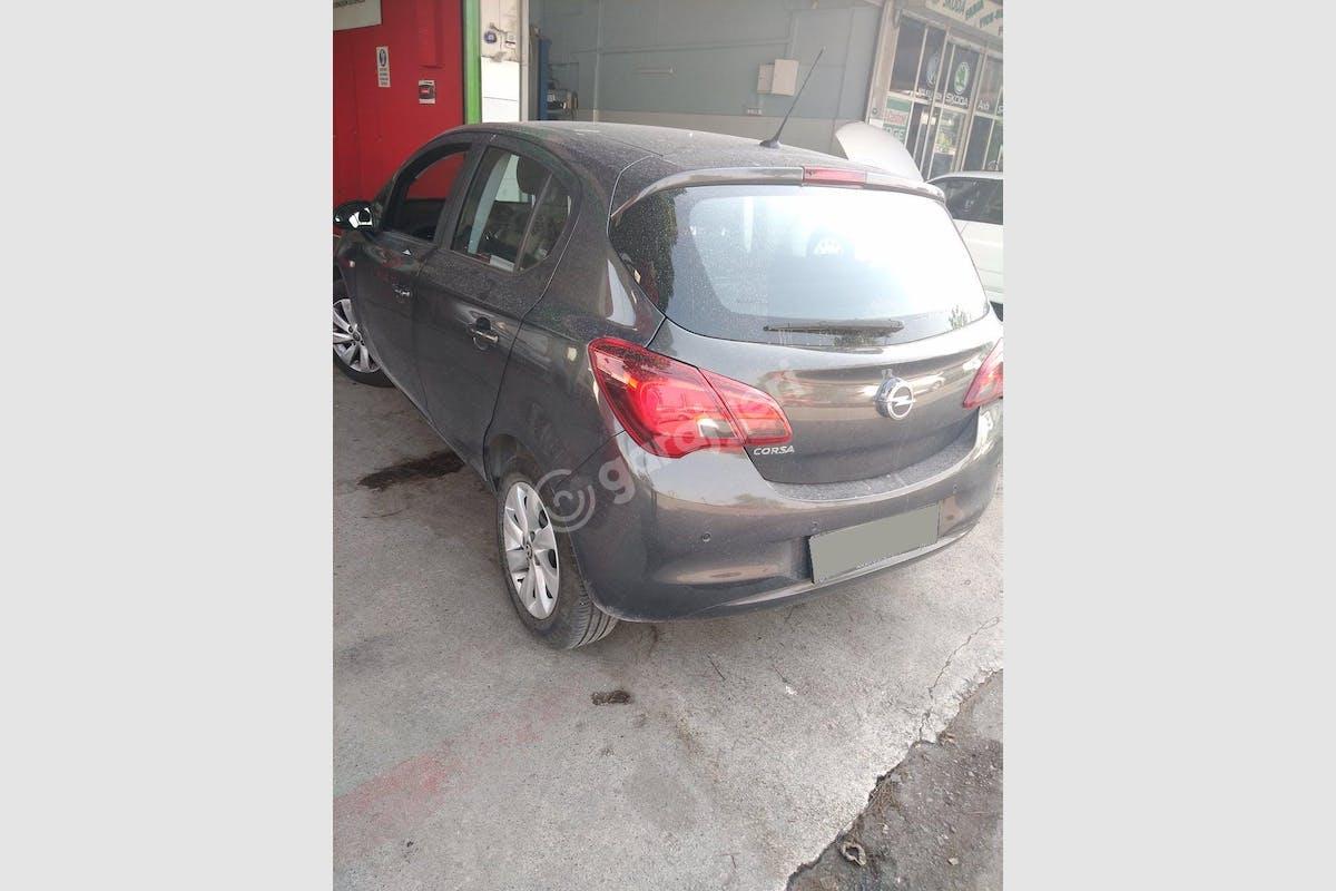 Opel Corsa Konak Kiralık Araç 4. Fotoğraf