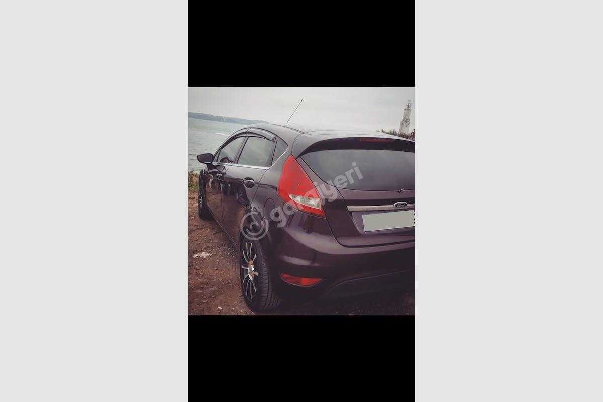 Ford Fiesta Zeytinburnu Kiralık Araç 1. Fotoğraf