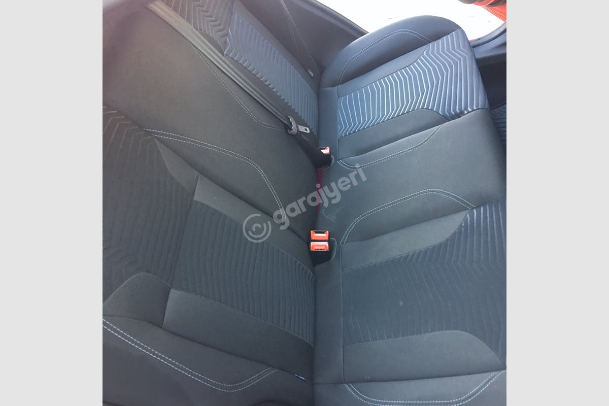 Ford Fiesta Seyhan Kiralık Araç 4. Fotoğraf