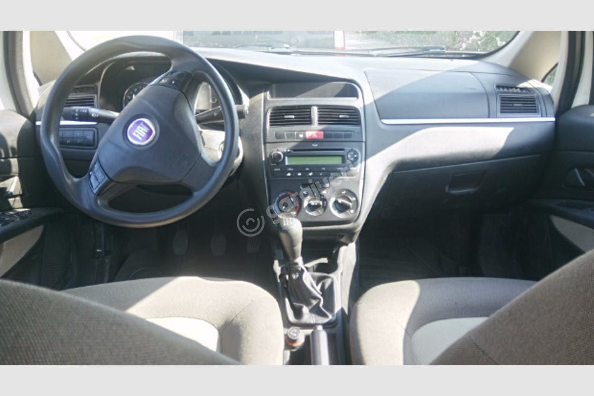Fiat Linea Bodrum Kiralık Araç 2. Fotoğraf