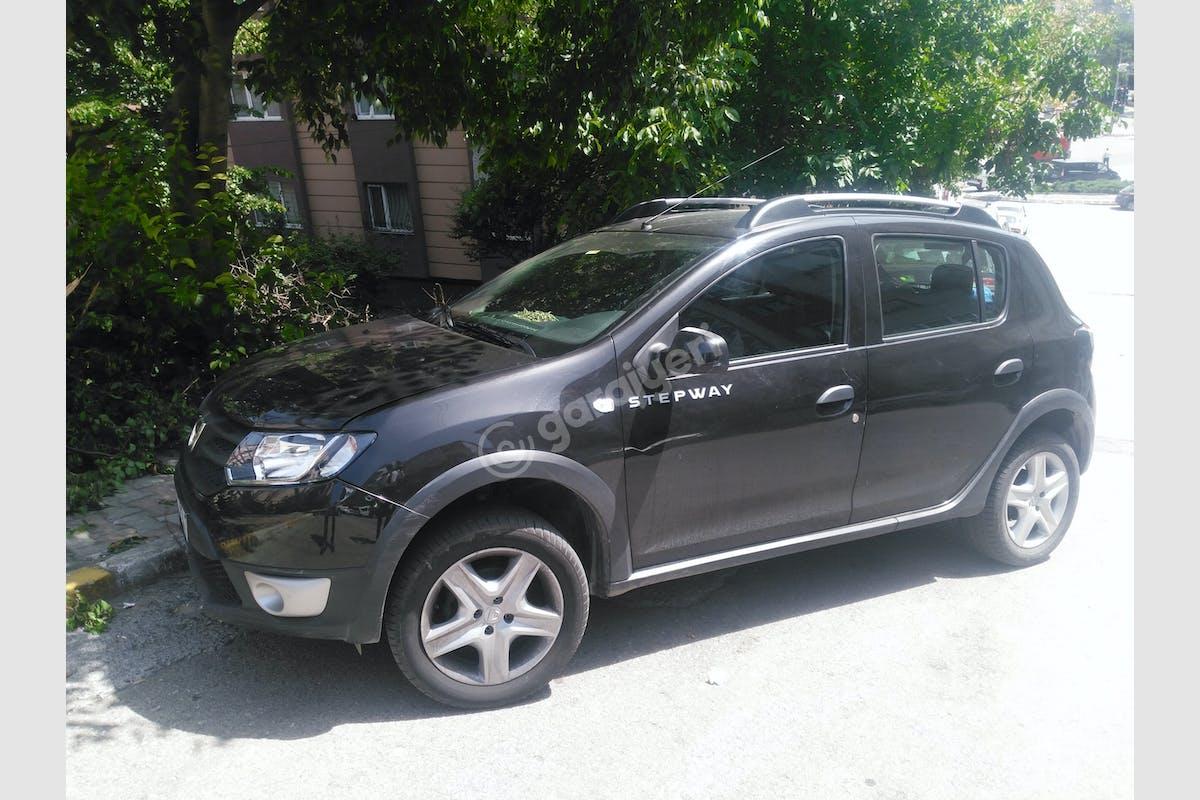 Dacia Sandero Stepway Ümraniye Kiralık Araç 1. Fotoğraf