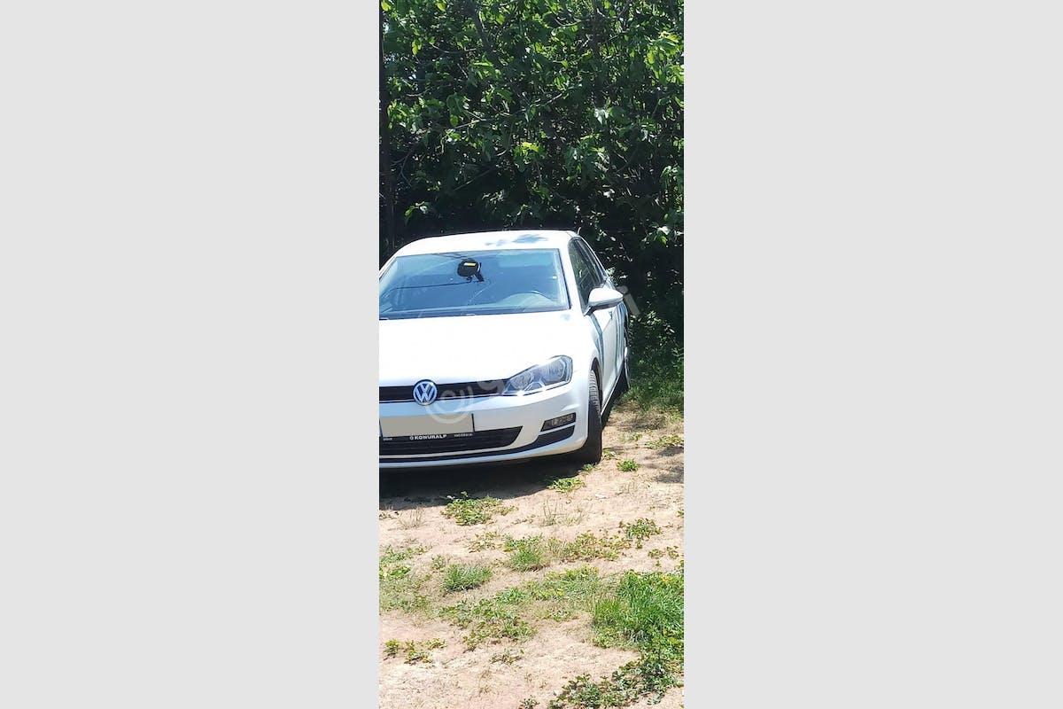 Volkswagen Golf Bahçelievler Kiralık Araç 1. Fotoğraf