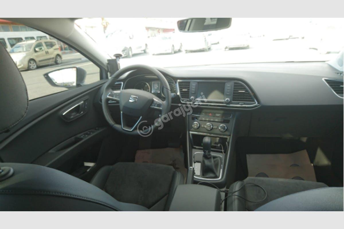 Seat Leon Esenler Kiralık Araç 3. Fotoğraf