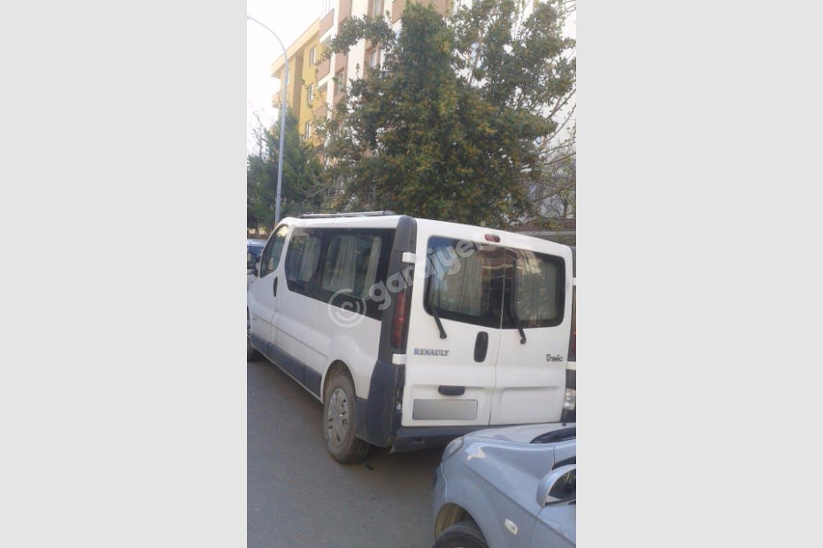 Renault Trafic Kartal Kiralık Araç 3. Fotoğraf