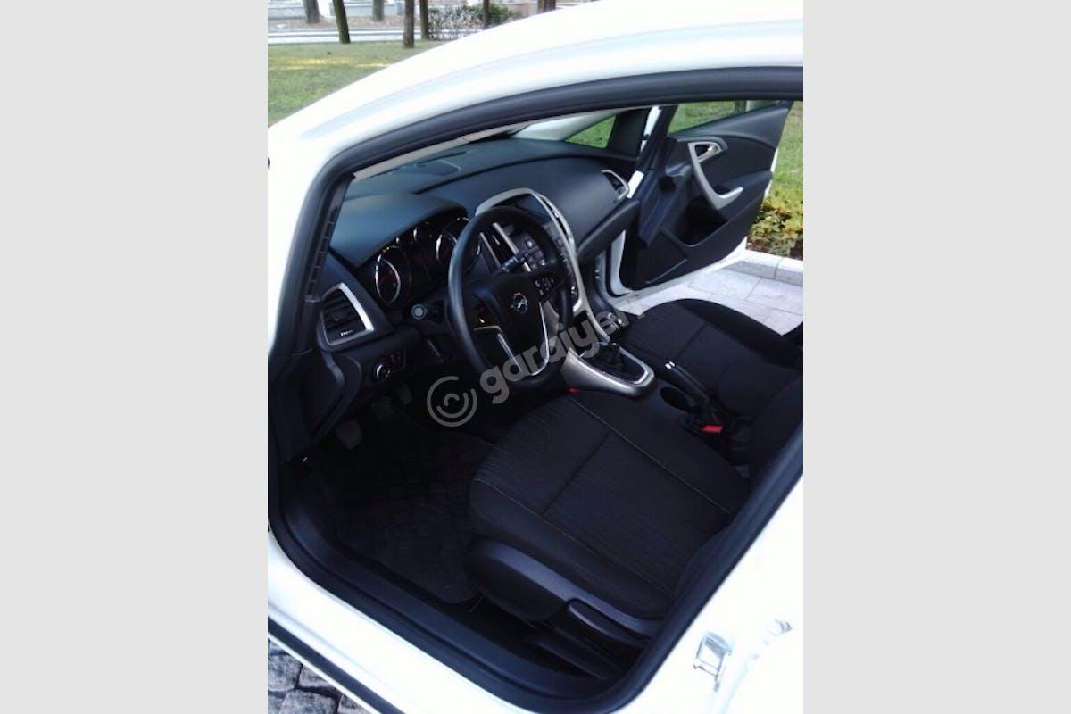 Opel Astra Gaziosmanpaşa Kiralık Araç 3. Fotoğraf