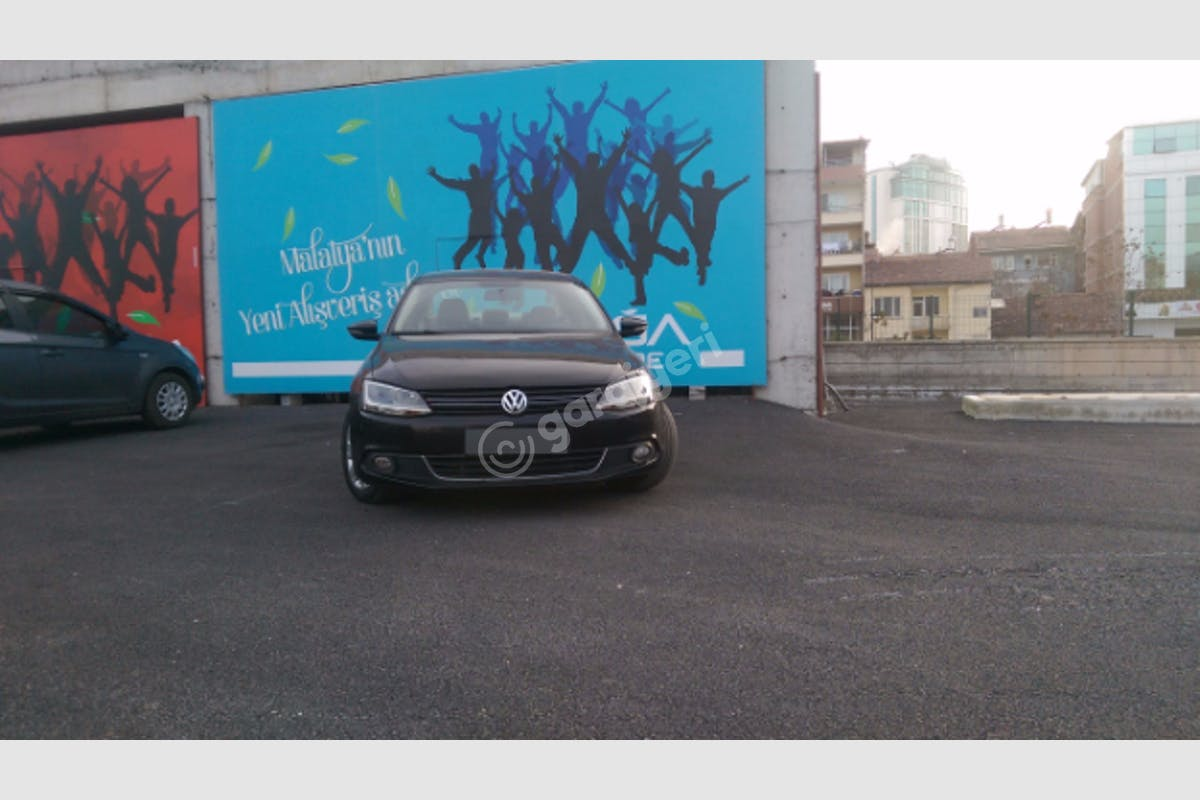 Volkswagen Jetta Battalgazi Kiralık Araç 5. Fotoğraf