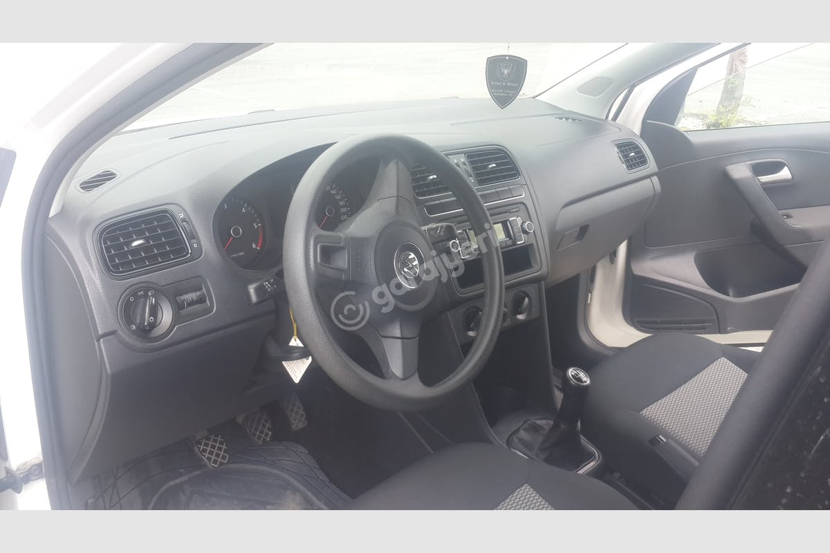 Volkswagen Polo Ümraniye Kiralık Araç 3. Fotoğraf
