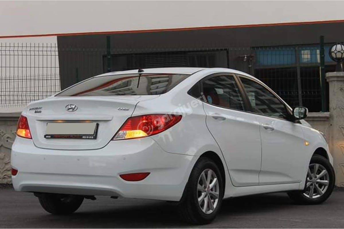 Hyundai Accent Blue Keçiören Kiralık Araç 1. Fotoğraf