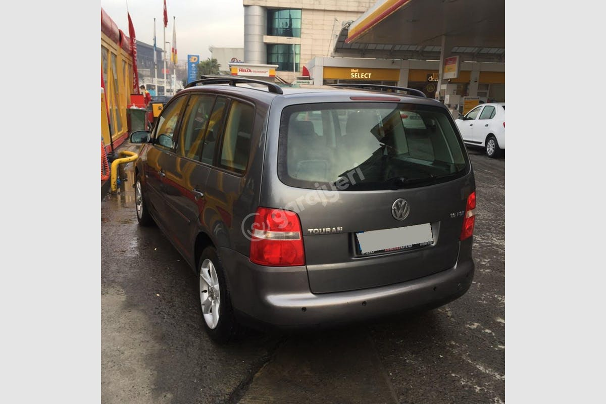 Volkswagen Touran Kağıthane Kiralık Araç 2. Fotoğraf