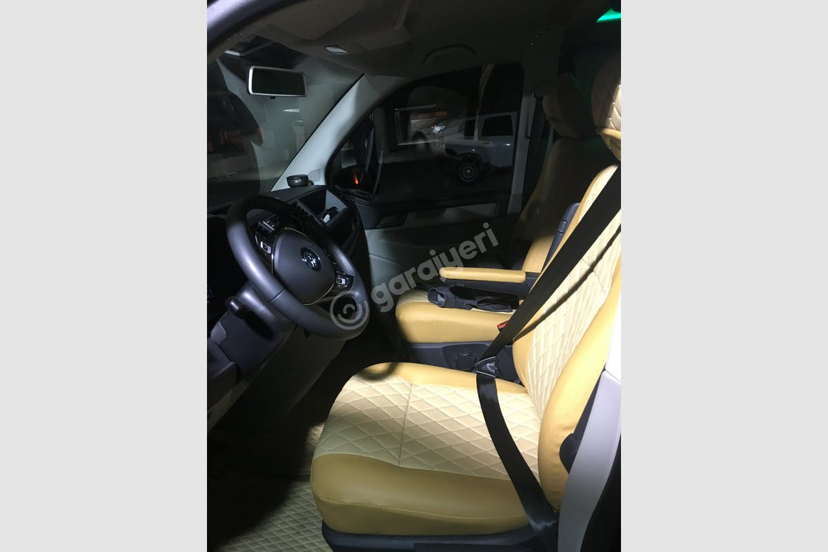 Volkswagen Transporter Merkez Kiralık Araç 3. Fotoğraf
