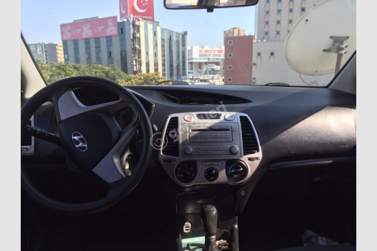 Hyundai i20 Eyüp Kiralık Araç 3. Fotoğraf