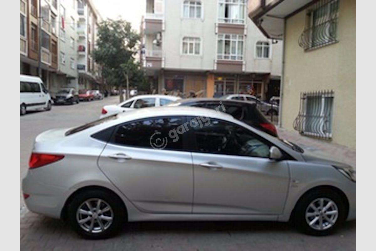 Hyundai Accent Blue Bahçelievler Kiralık Araç 3. Fotoğraf