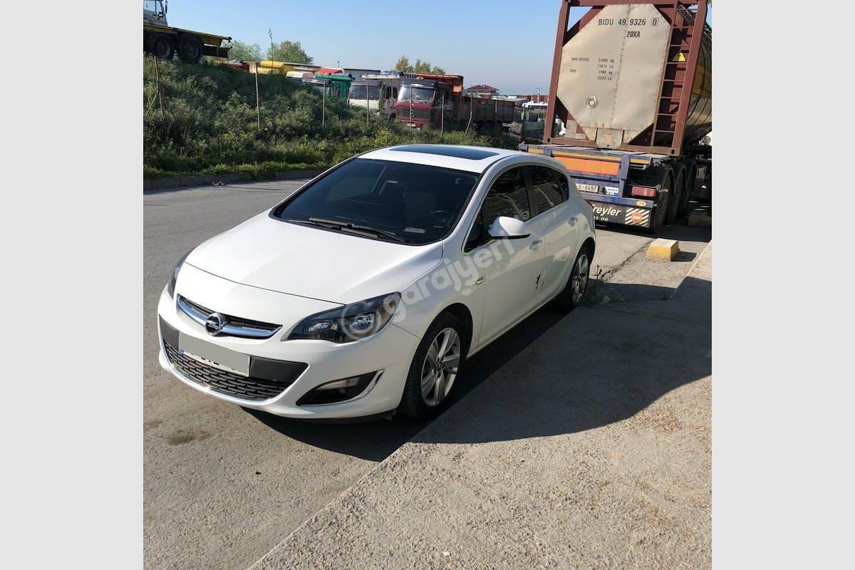 Opel Astra Avcılar Kiralık Araç 1. Fotoğraf