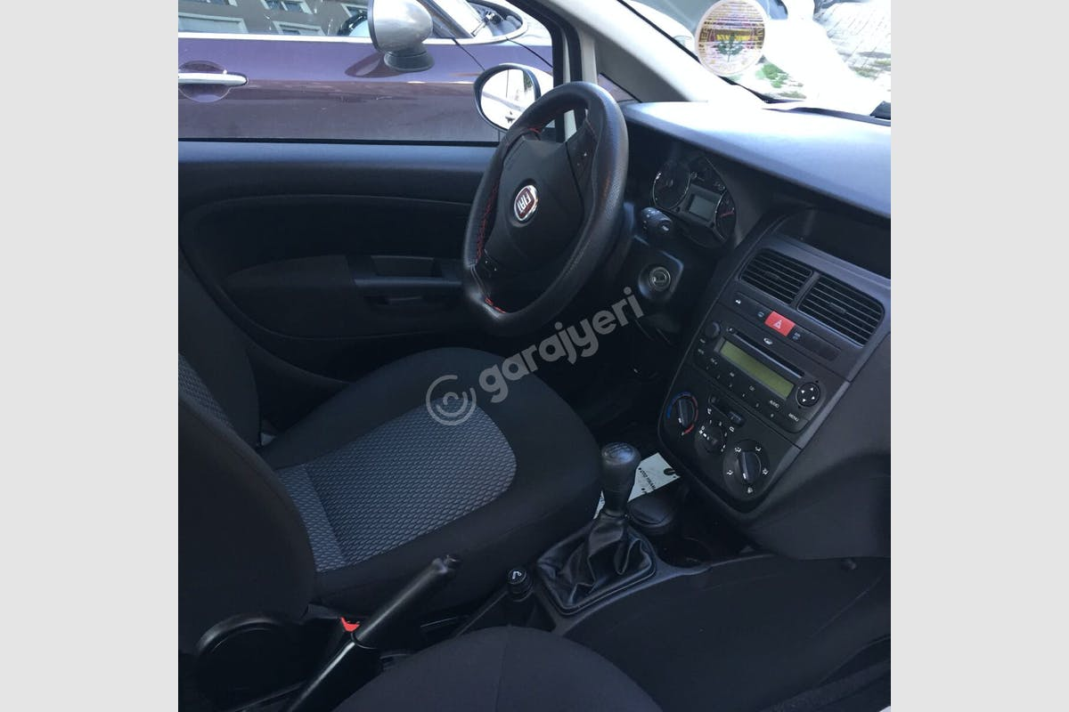 Fiat Linea Üsküdar Kiralık Araç 9. Fotoğraf