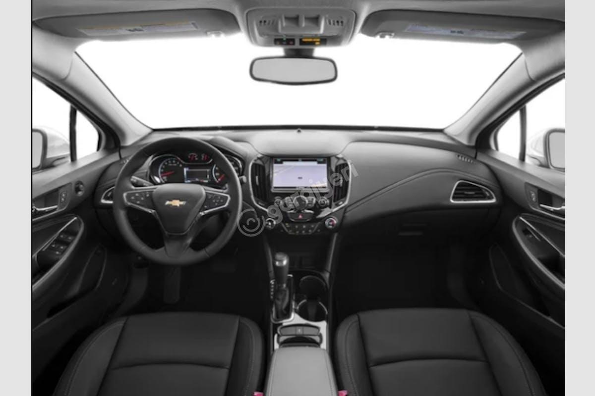 Chevrolet Cruze Efeler Kiralık Araç 2. Fotoğraf