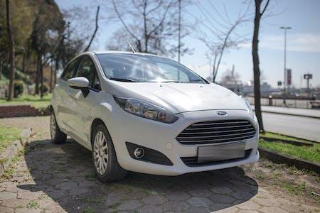 Ford Fiesta İstanbul Ataşehir Kiralık Araç