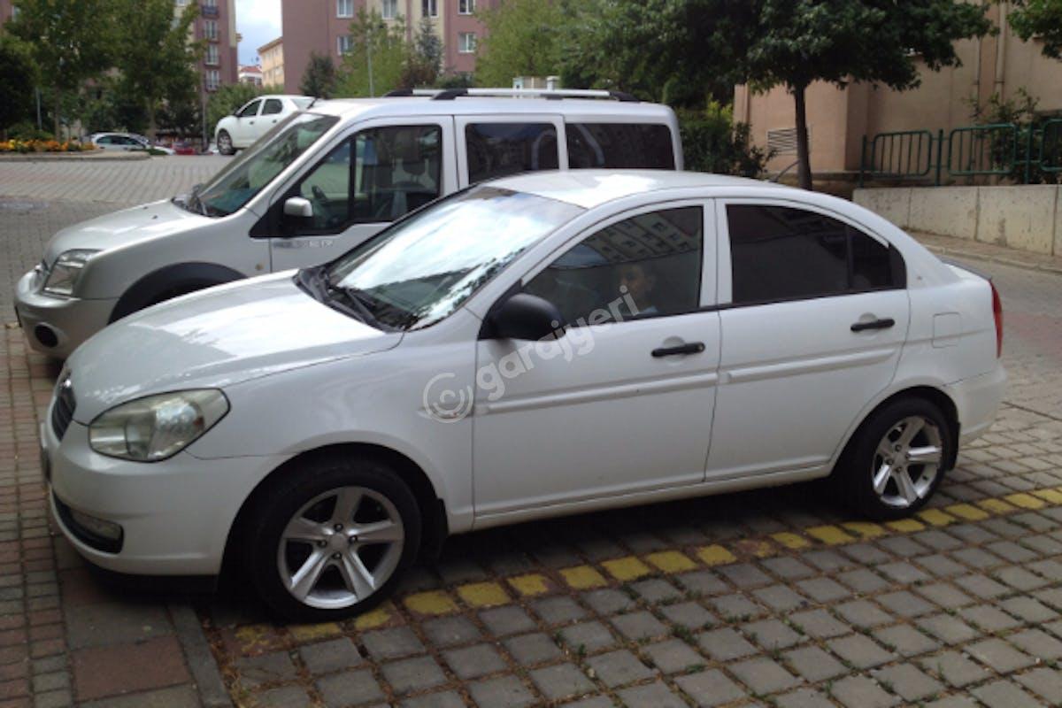 Hyundai Accent Tuzla Kiralık Araç 2. Fotoğraf