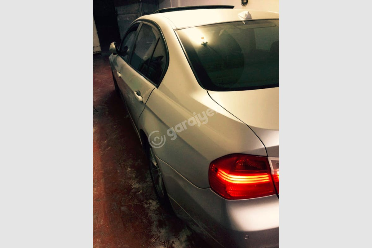 BMW 3 Tuzla Kiralık Araç 4. Fotoğraf