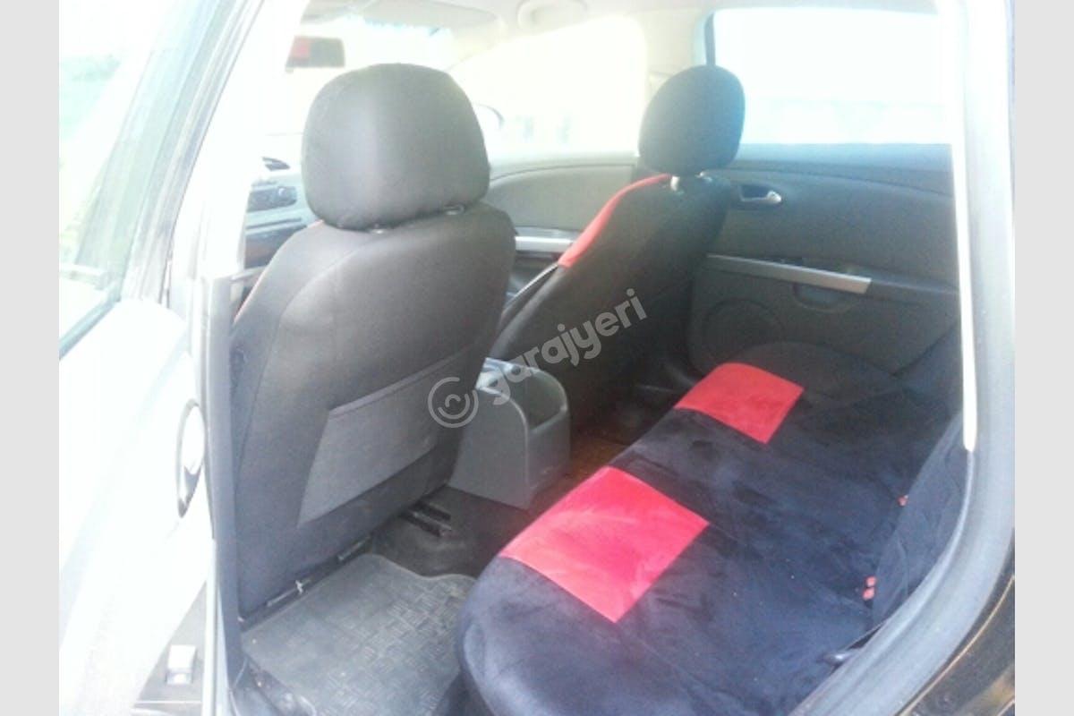 Seat Leon Ümraniye Kiralık Araç 5. Fotoğraf