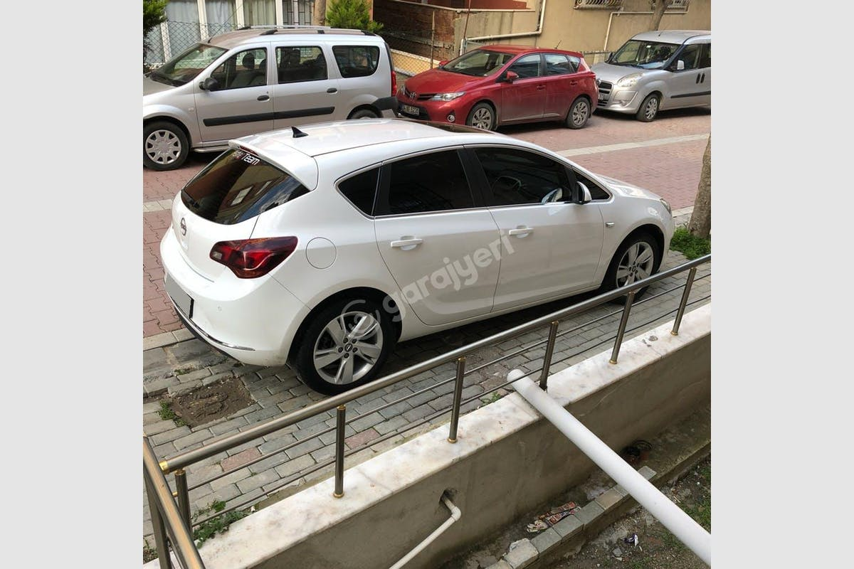 Opel Astra Avcılar Kiralık Araç 5. Fotoğraf