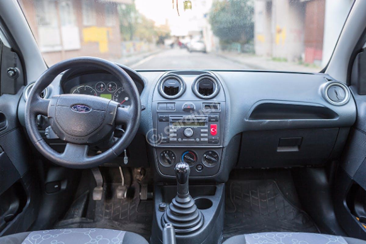 Ford Fiesta Bahçelievler Kiralık Araç 5. Fotoğraf
