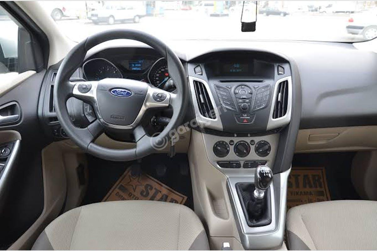 Ford Focus Seyhan Kiralık Araç 3. Fotoğraf