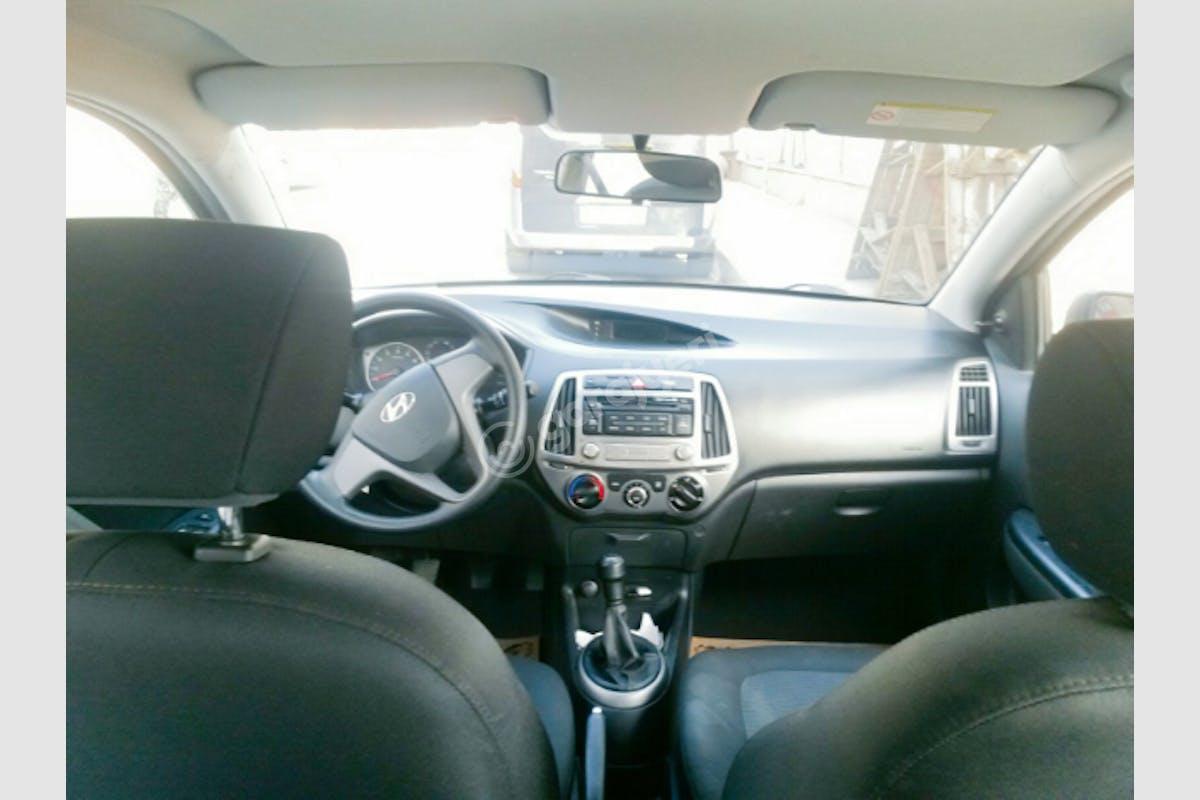 Hyundai i20 Eyüp Kiralık Araç 7. Fotoğraf