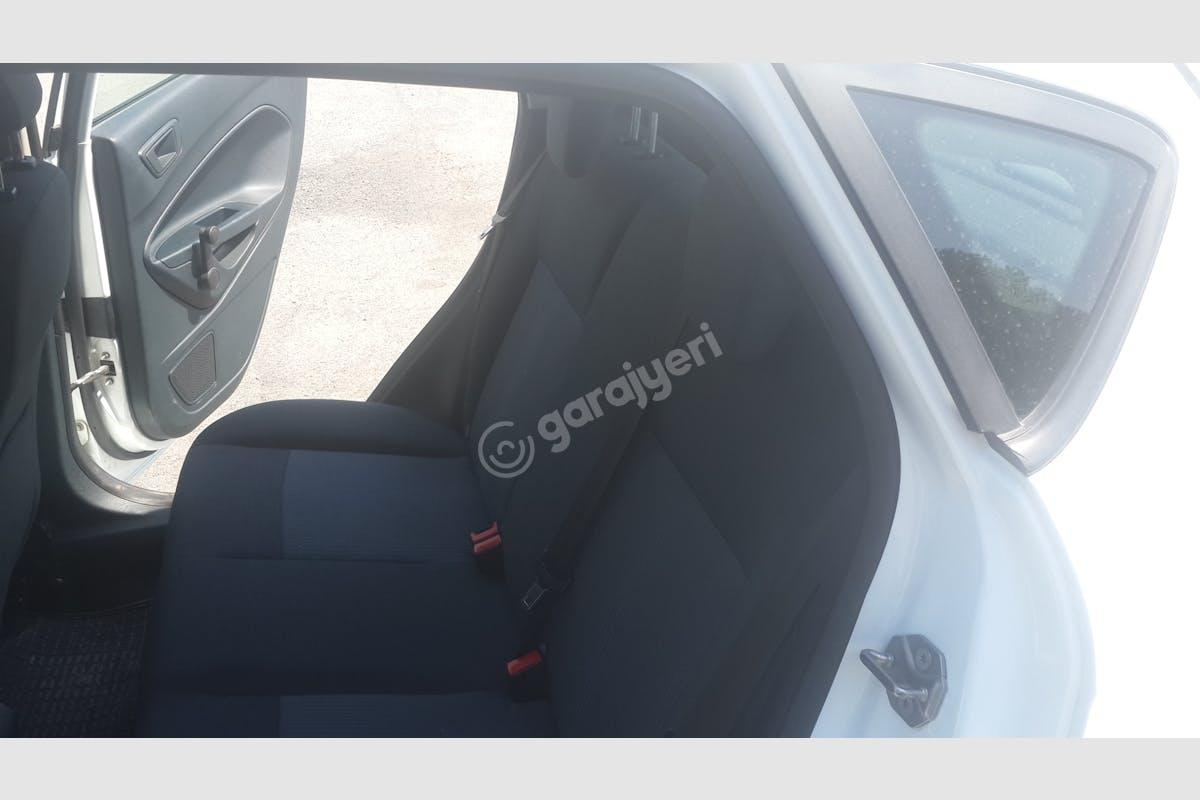Ford Fiesta Ümraniye Kiralık Araç 6. Fotoğraf