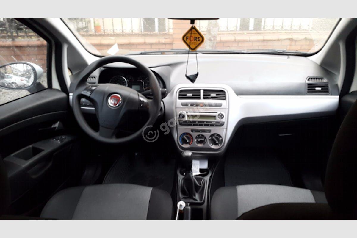 Fiat Punto Bahçelievler Kiralık Araç 2. Fotoğraf