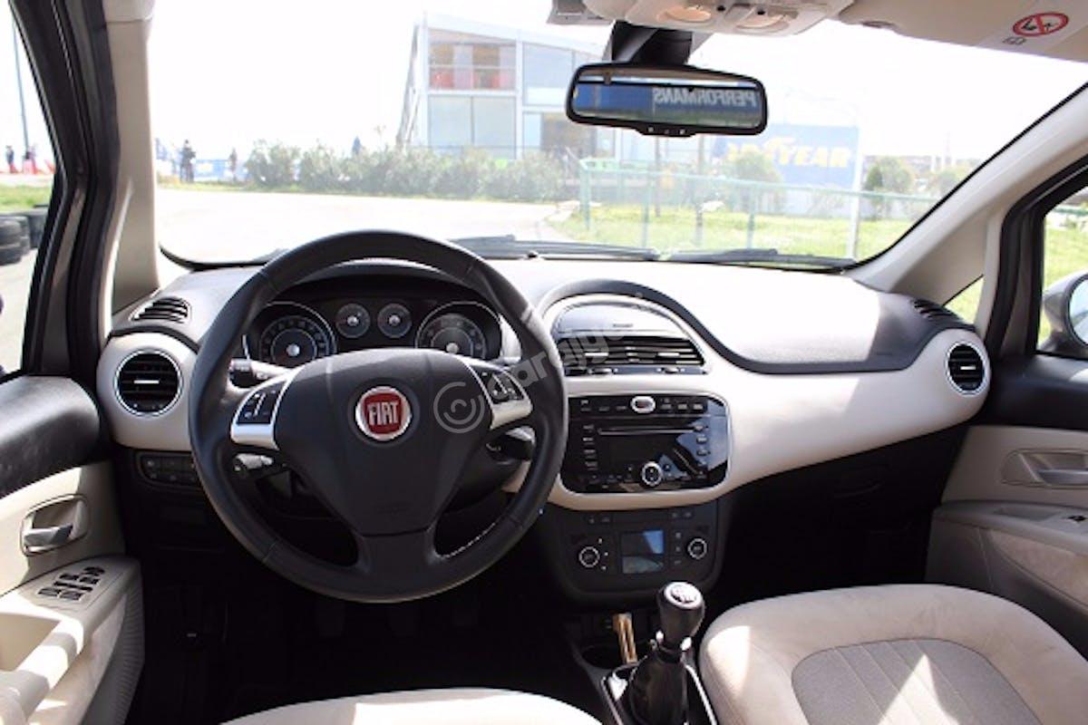 Fiat Linea Şişli Kiralık Araç 2. Fotoğraf