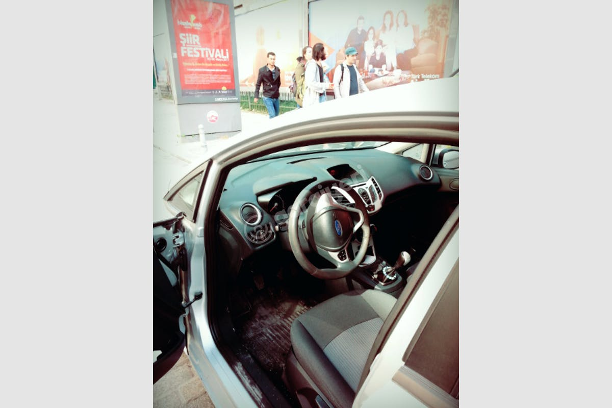 Ford Fiesta Fatih Kiralık Araç 4. Fotoğraf