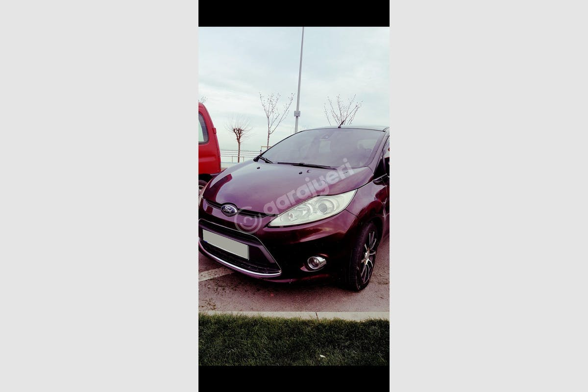 Ford Fiesta Zeytinburnu Kiralık Araç 3. Fotoğraf