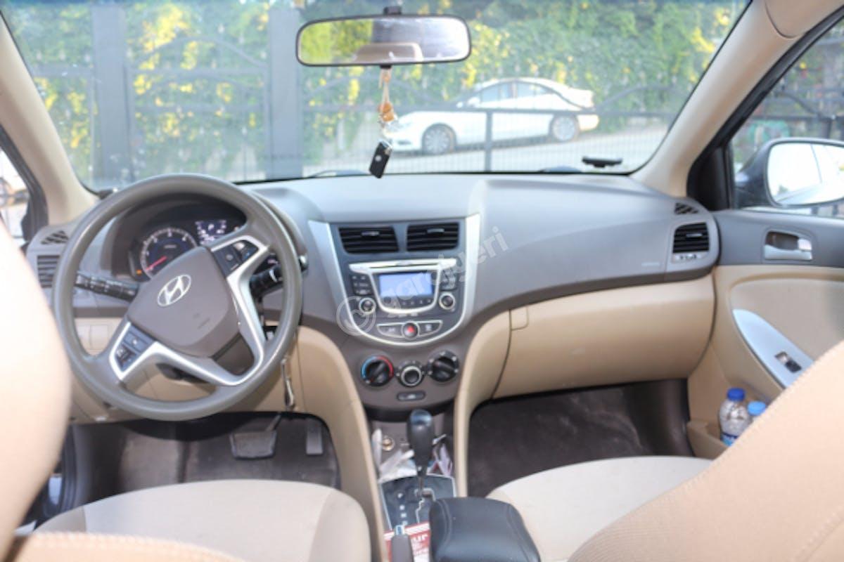 Hyundai Accent Blue Başakşehir Kiralık Araç 2. Fotoğraf