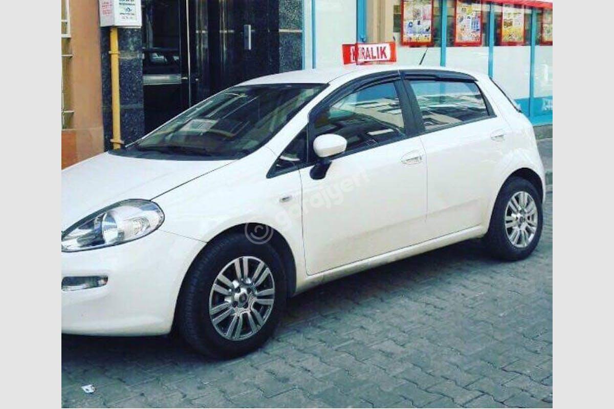 Fiat Punto Karşıyaka Kiralık Araç 1. Fotoğraf