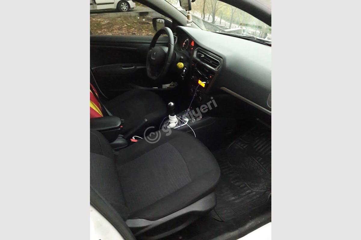 Peugeot 301 Esenler Kiralık Araç 3. Fotoğraf