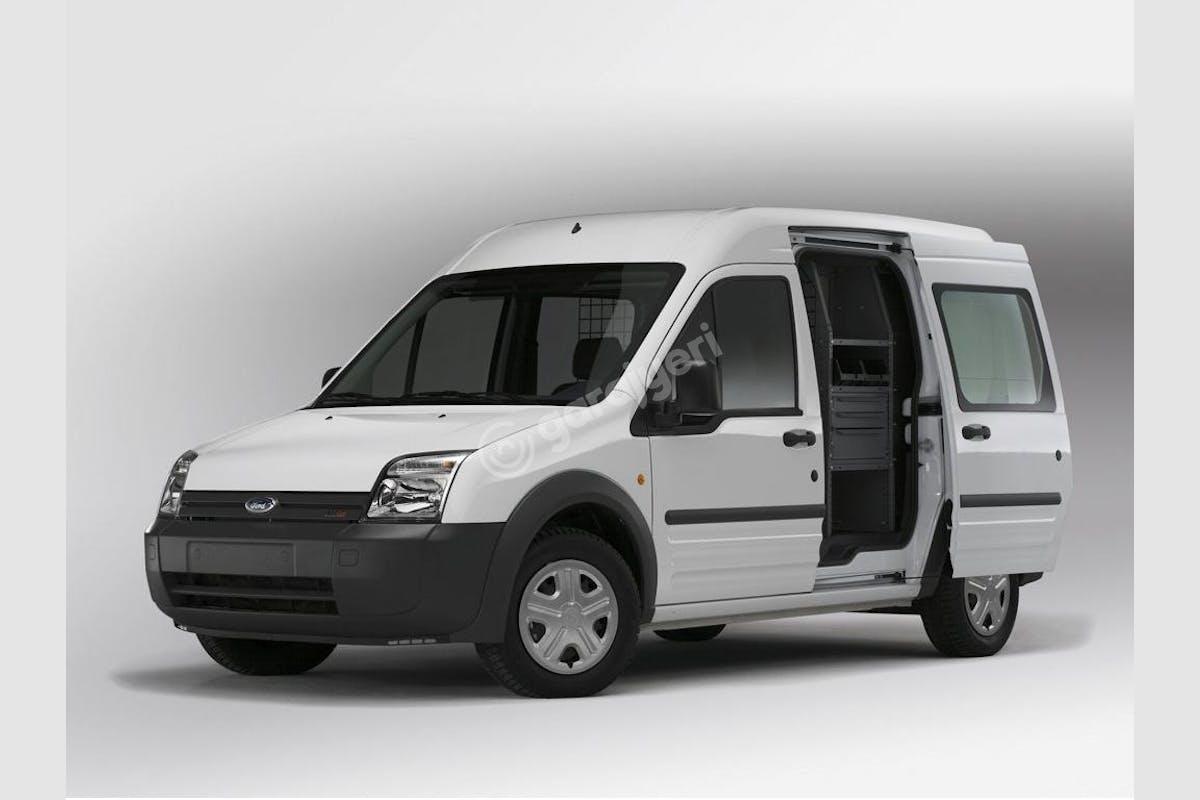 Ford Connect Karşıyaka Kiralık Araç 1. Fotoğraf
