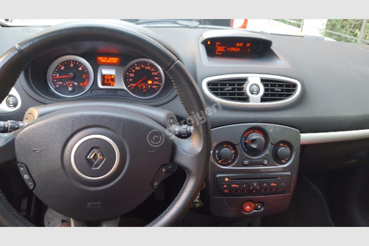 Renault Clio Bakırköy Kiralık Araç 3. Fotoğraf