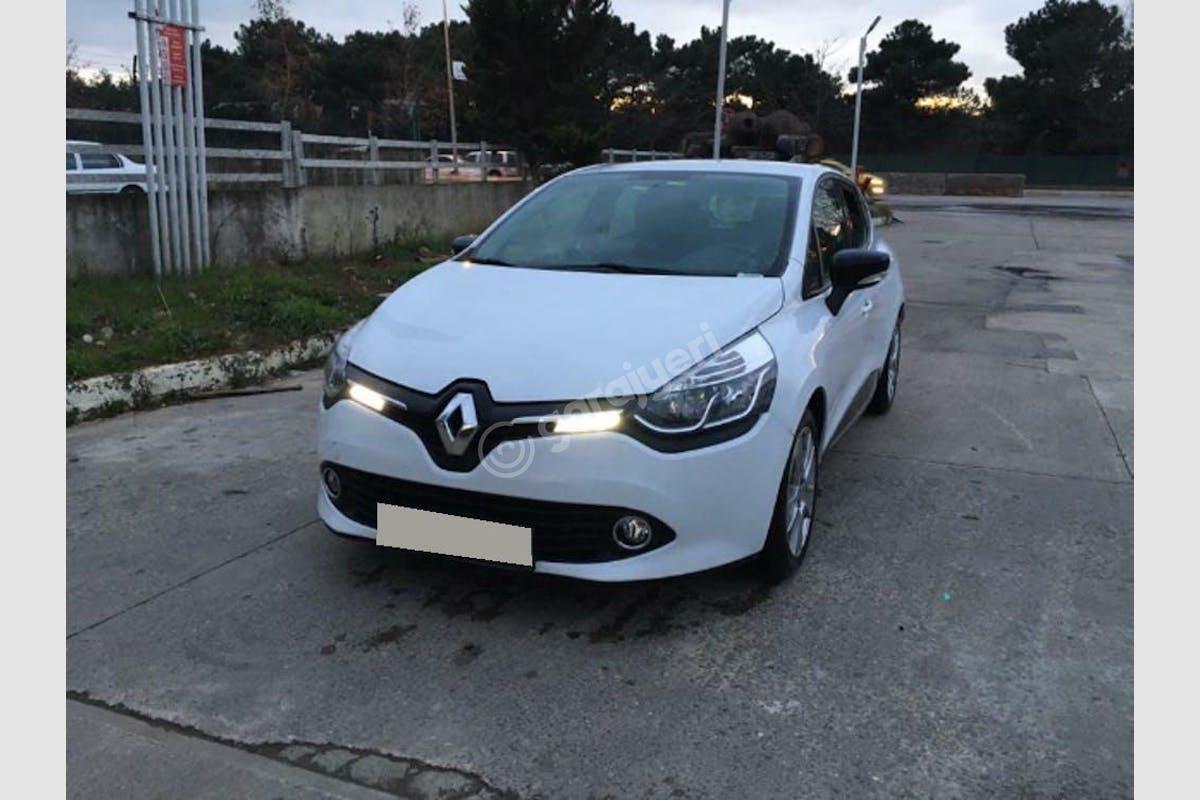 Renault Clio Sancaktepe Kiralık Araç 4. Fotoğraf