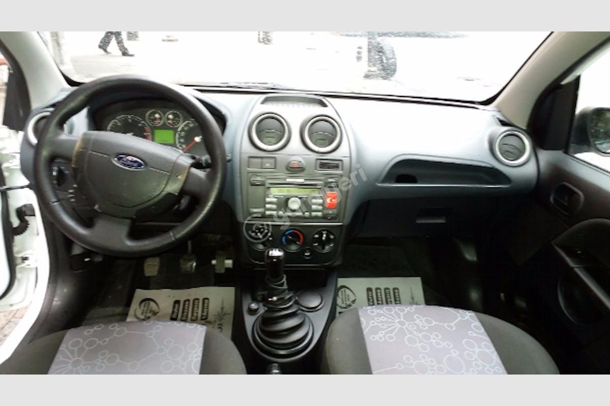 Ford Fiesta Bahçelievler Kiralık Araç 3. Fotoğraf