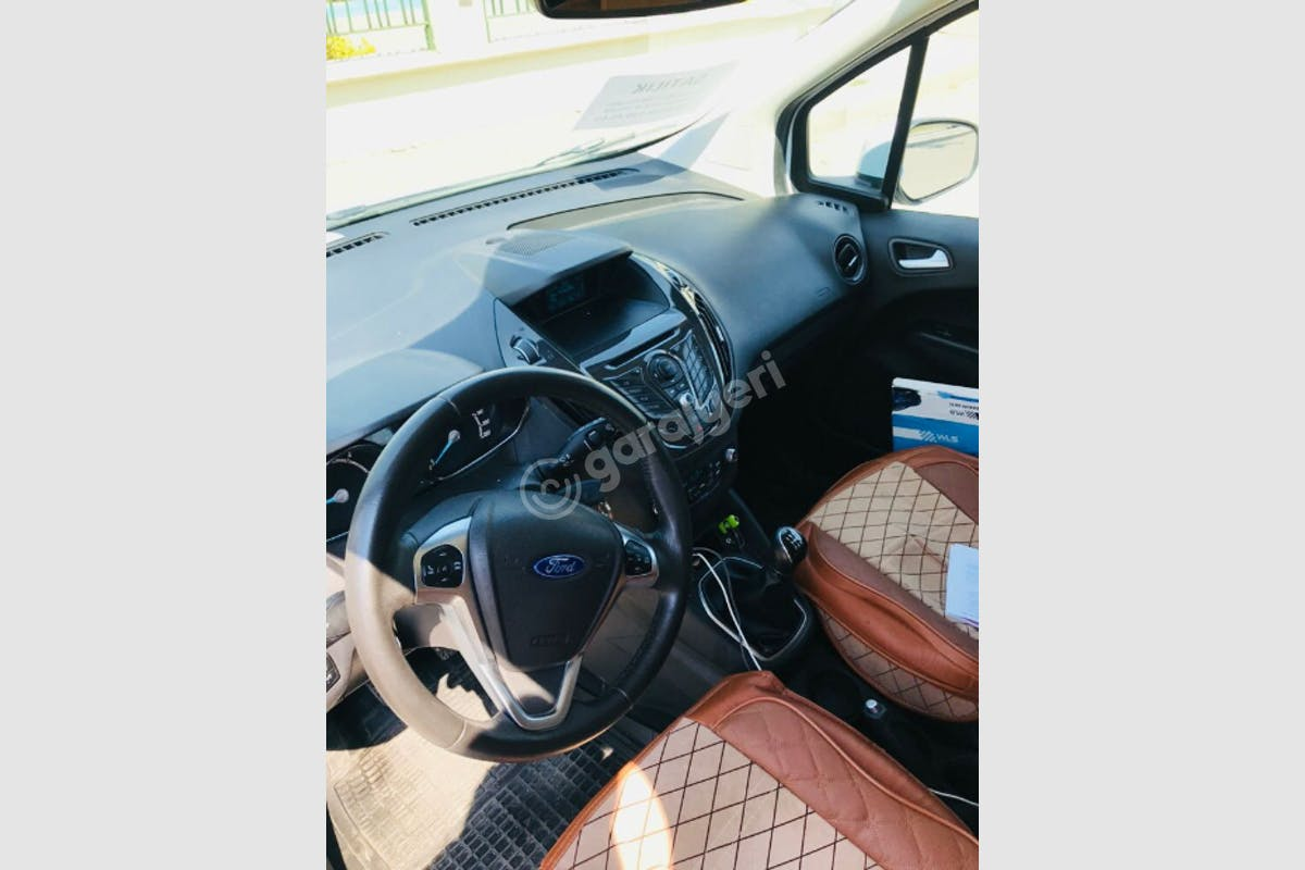 Ford Courier Yunusemre Kiralık Araç 2. Fotoğraf