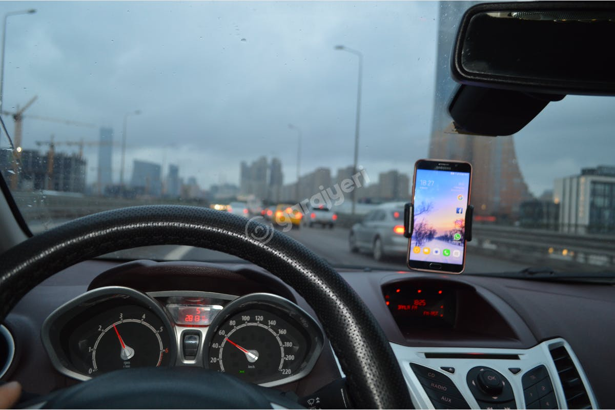 Ford Fiesta Zeytinburnu Kiralık Araç 7. Fotoğraf