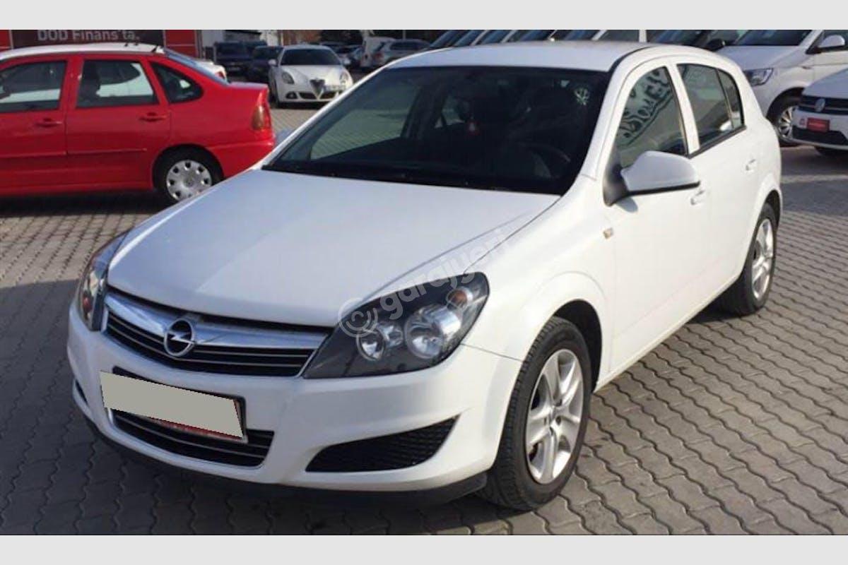 Opel Astra Karatay Kiralık Araç 2. Fotoğraf