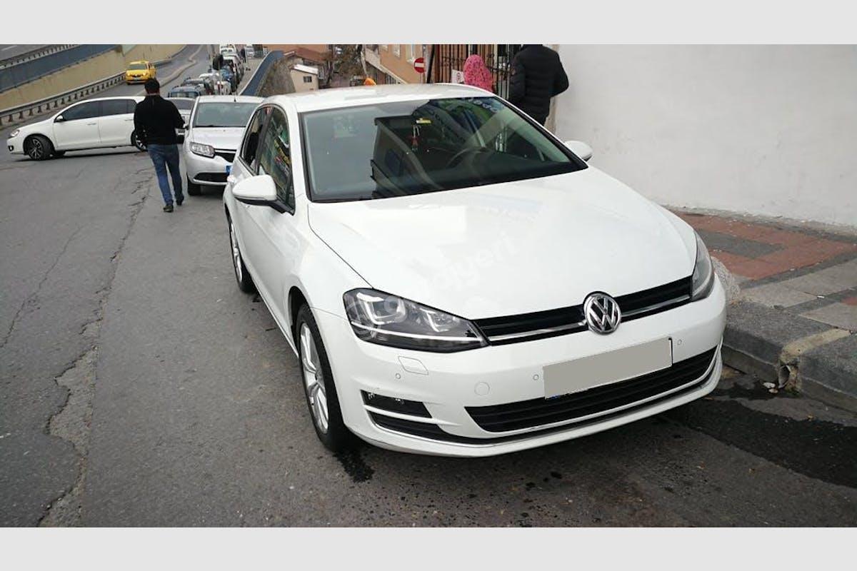 Volkswagen Golf Kağıthane Kiralık Araç 1. Fotoğraf