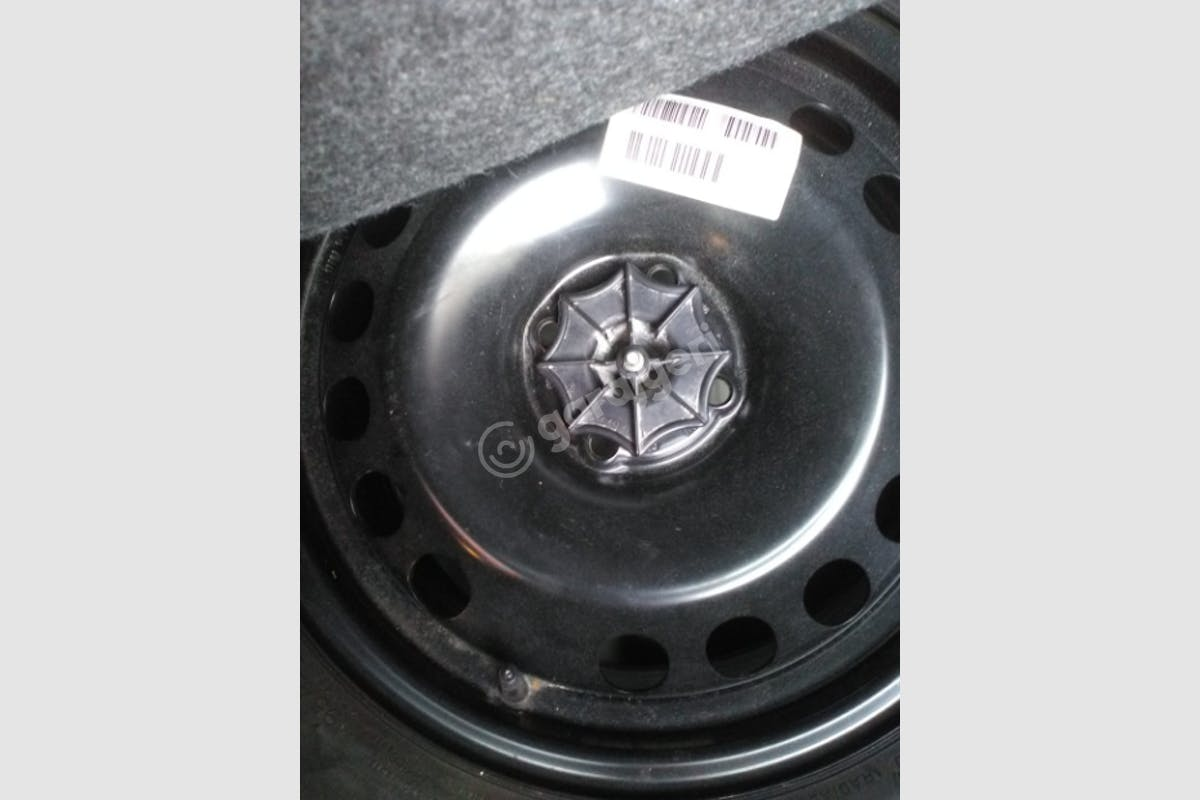 Opel Corsa Zeytinburnu Kiralık Araç 9. Fotoğraf