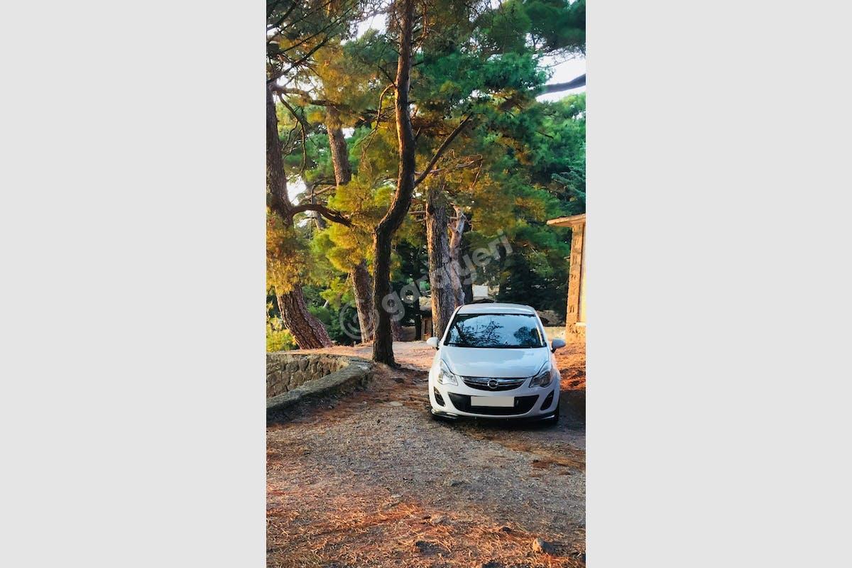 Opel Corsa Bornova Kiralık Araç 1. Fotoğraf