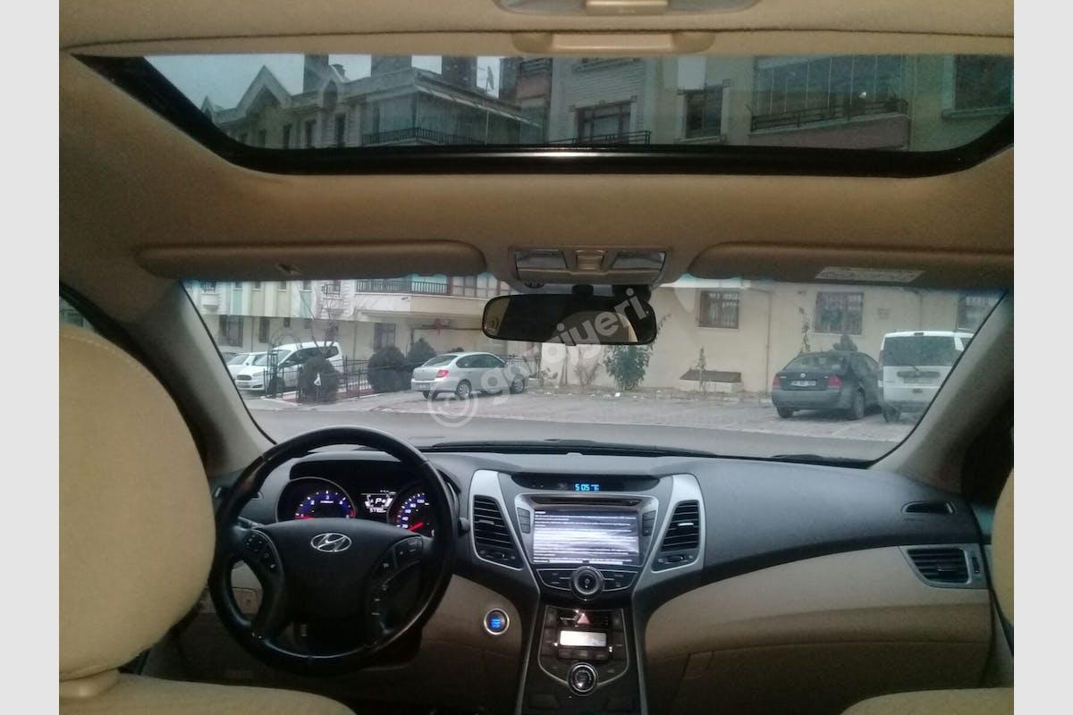 Hyundai Elantra Bahçelievler Kiralık Araç 7. Fotoğraf