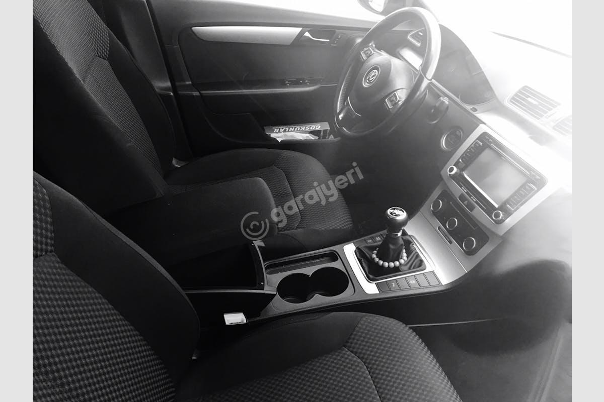 Volkswagen Passat Esenler Kiralık Araç 4. Fotoğraf