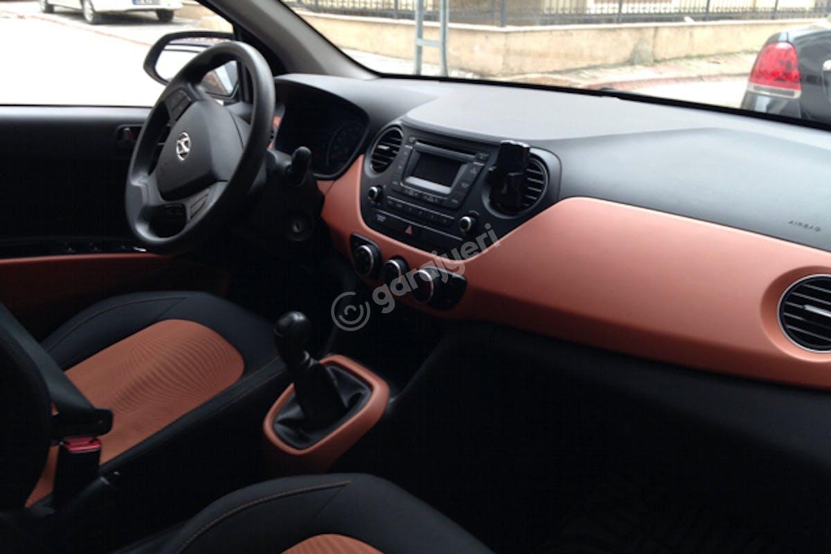 Hyundai i10 Üsküdar Kiralık Araç 3. Fotoğraf