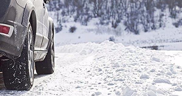 Karlı Havalarda Araba Kullanırken Nelere Dikkat Etmeliyiz?